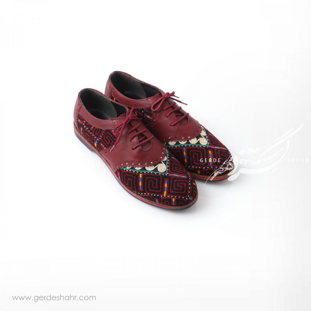کفش دست دوز زرشکی سوزندوزی ترکمن سایز 40 چاوان گنجه رخت
