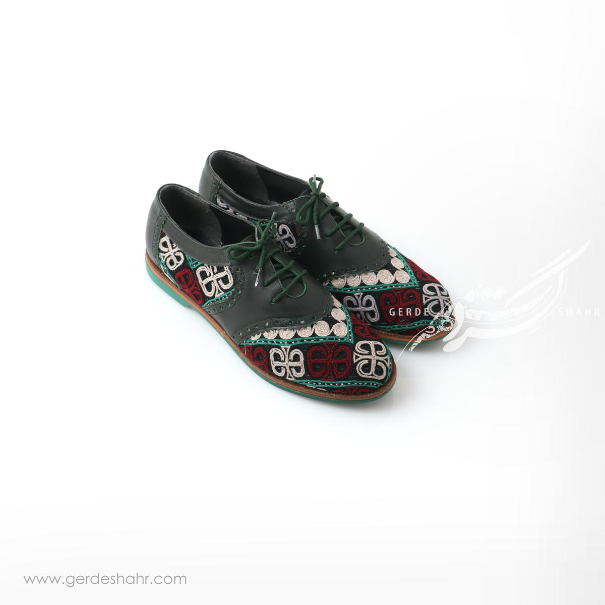 کفش دست دوز سبز یشمی تیره سوزندوزی ترکمن سایز 40 چاوان گنجه رخت