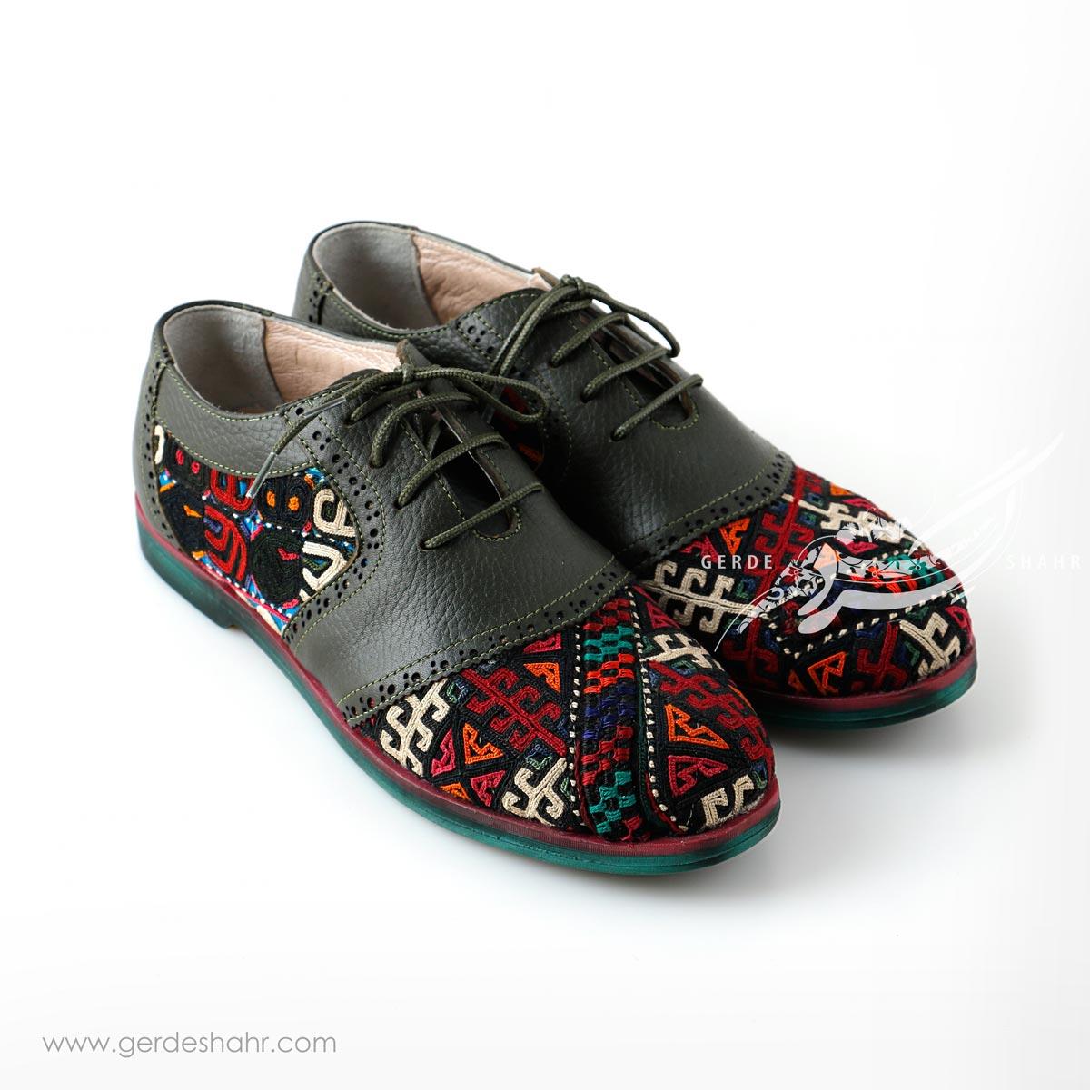 کفش دست دوز سبز یشمی تیره سوزندوزی ترکمن 4 سایز 40 چاوان گنجه رخت