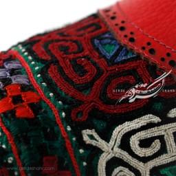 کفش دست دوز قرمز سوزندوزی ترکمن سایز 40 چاوان گنجه رخت