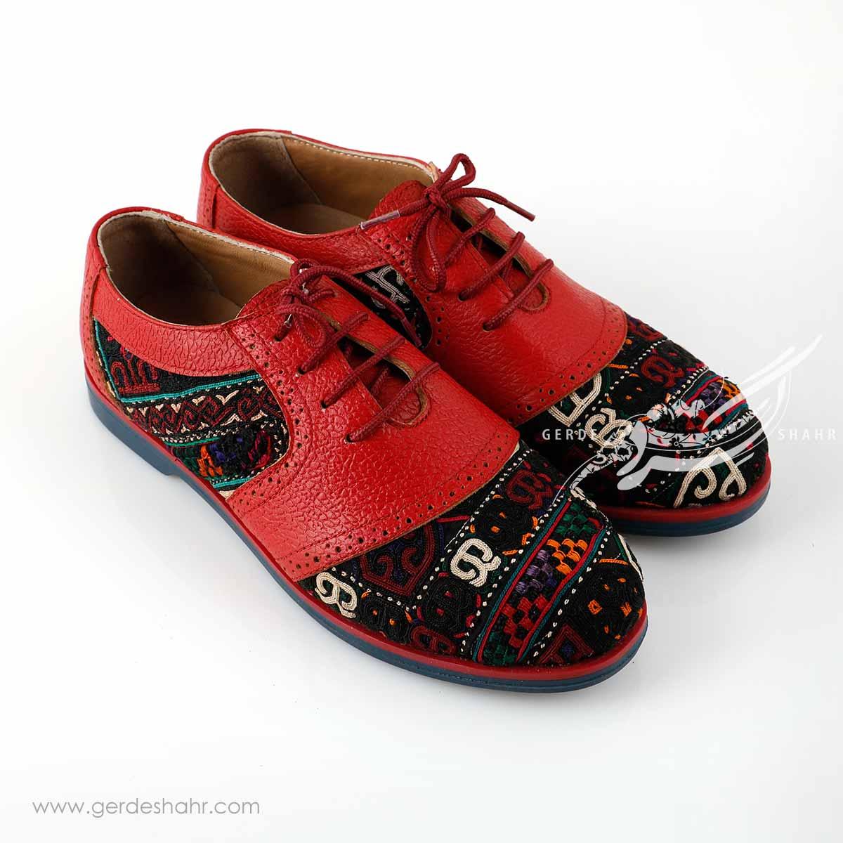 کفش چرمی دست دوز سوزندوزی قرمز سایز 38 چاوان گنجه رخت
