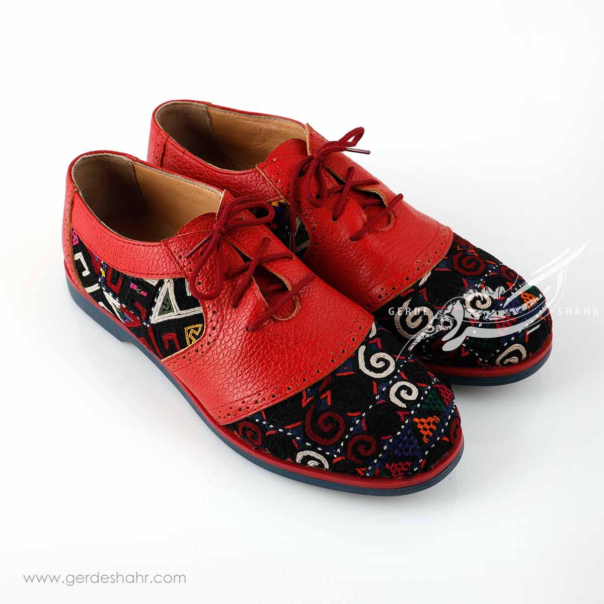 کفش چرمی دست دوز سوزندوزی قرمز سایز 40 چاوان گنجه رخت