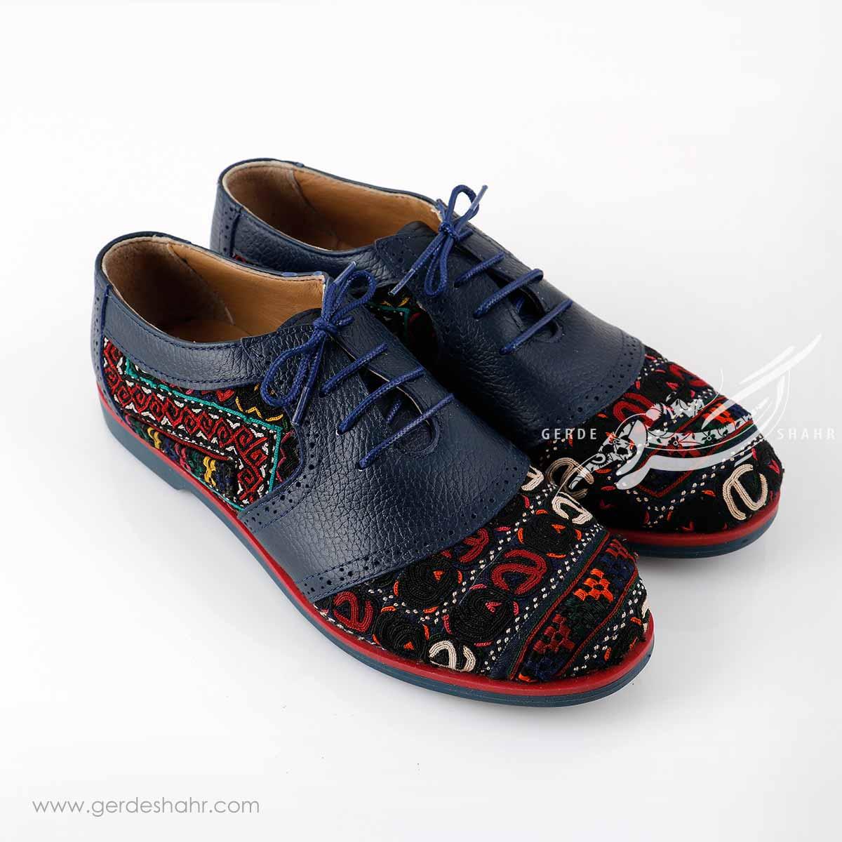 کفش چرمی دست دوز سوزندوزی سورمه ای سایز 40 چاوان گنجه رخت