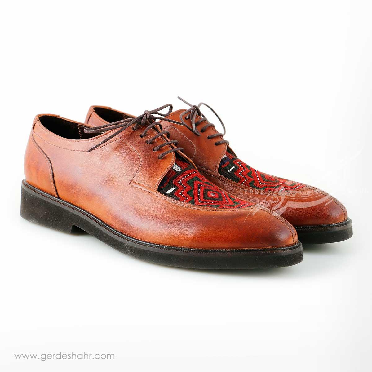کفش مردانه چرمی دست دوز سوزندوزی عسلی سایز 40 چاوان - chavan