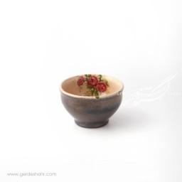 کاسه گود کوچک کرم با گل قرمز سایز ۱۰ ماه فروز محصولات