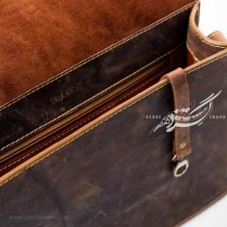 کیف بزرگ دوشی چرم قهوه ای هورس وریا گنجه رخت